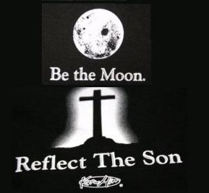 T-Shirt-Moon-back-of-Reflect-the-So